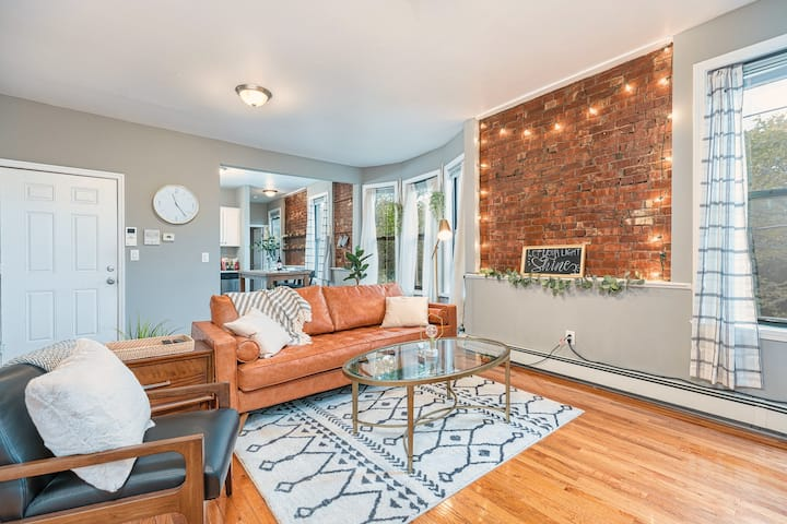 Boho Dream in the City | Quiet Street, Free Prking