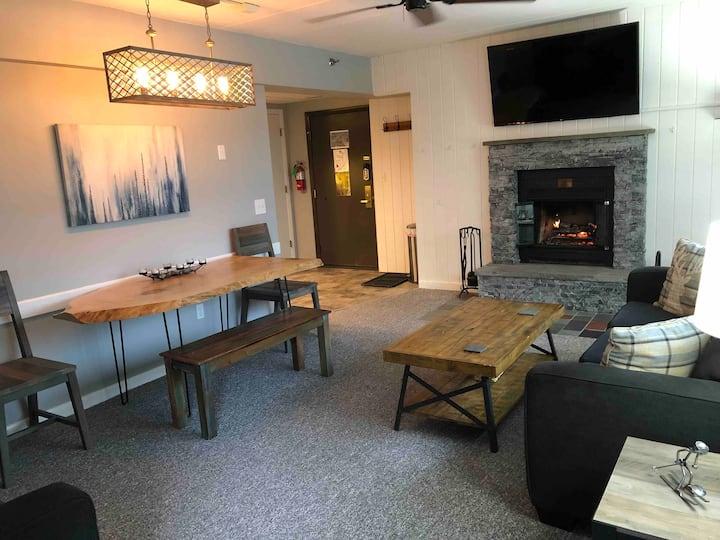 Modern condo in the perfect location!