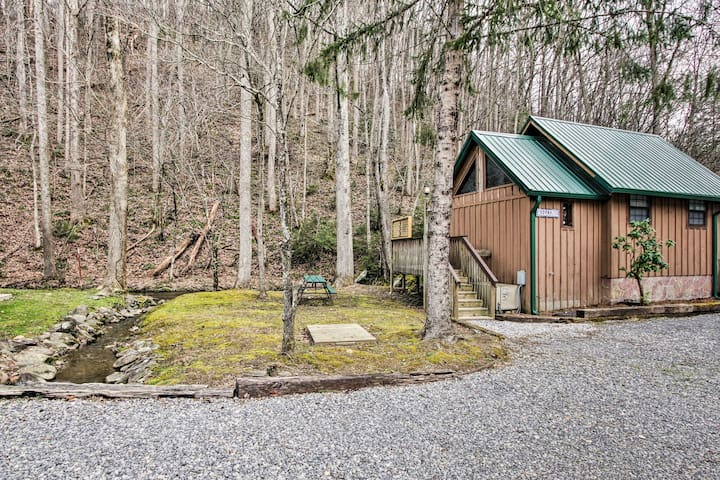Cosby Cabin on Creek w/ Hot Tub in Smoky Mountains