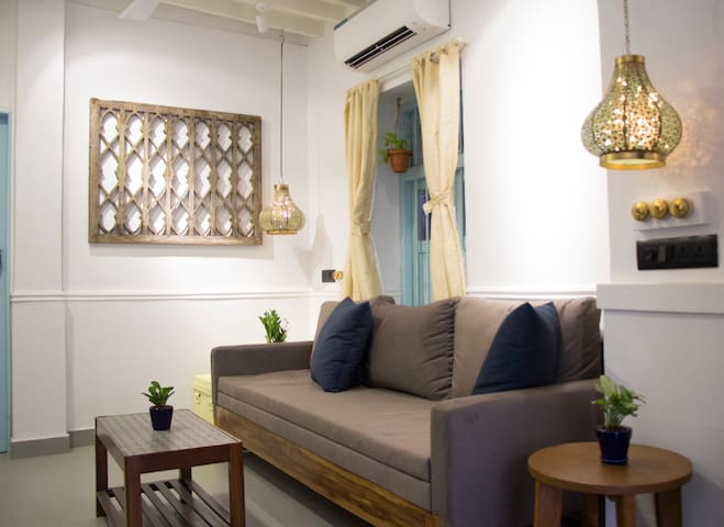 [PRICE DROP] Brilliantly designed cottage, Bandra