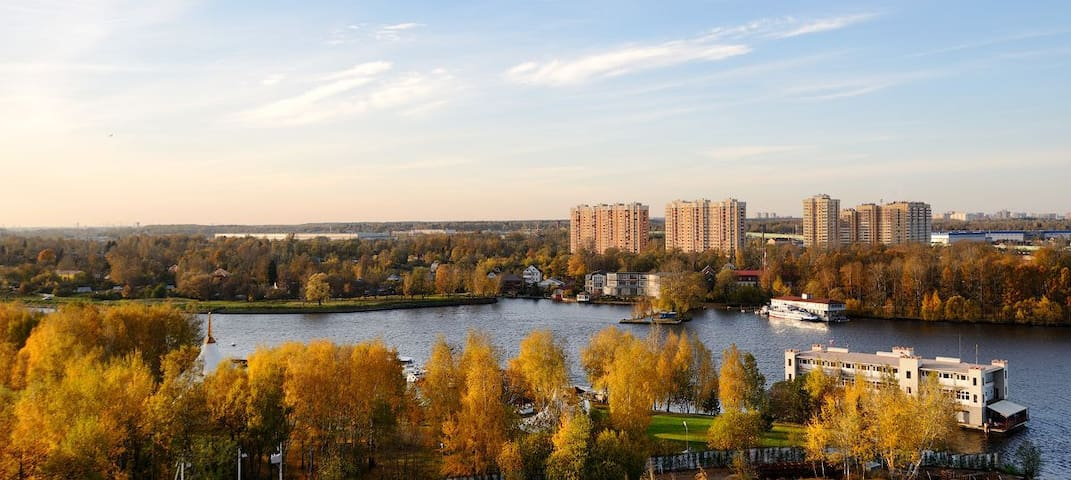 Cozy flat near airport Sheremetyevo on the river