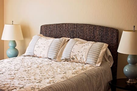 Spacious Guest Suite with Private Entrance - Visalia - Ξενώνας