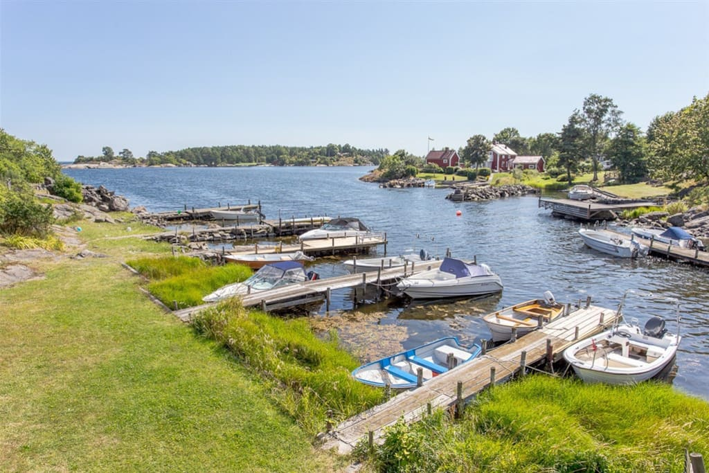 Small marina 50 meters from estate. I have a small boat for rent!
