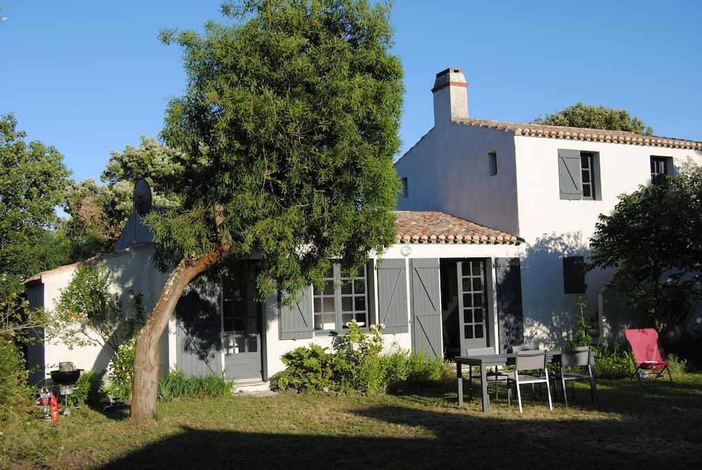A 200m de la plage l 39 or e du bois de la chaise houses for Chaise guest house