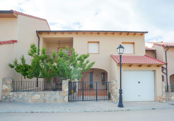 Casa Rural Torre Piquer. Bajo Aragon Rural