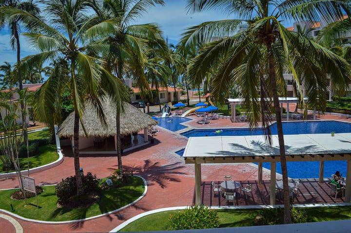 Condominio en Nuevo Vallarta frente a la playa!