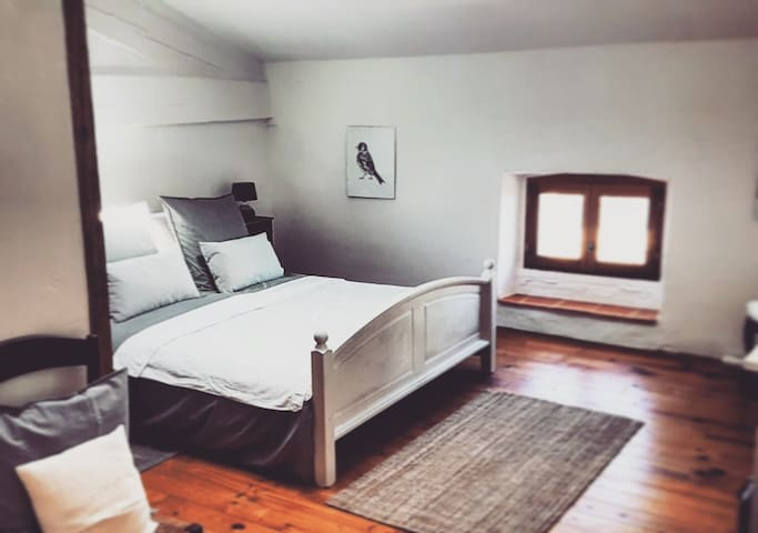 Le Bezy Boutique Bed and Breakfast (Chambre Une)