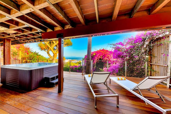 25% OFF FEB - Spectacular Ocean View Home w/ Outdoor Living, Spa + A/C