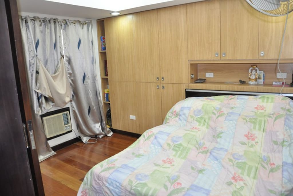 Master's Bedroom - Queen Size Bed w/ Aircon & wall fan