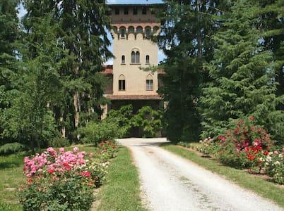 Stupenda suite del Relais Monastero - Millesimo - Villa