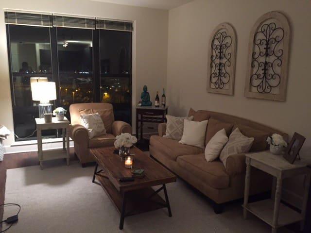 Brand New 1 Bedroom Apartment; metro access to DC - Fairfax - Apartmen
