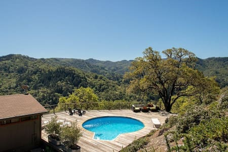 Mountaintop open home living-pool, hottub & views! - Ukiah
