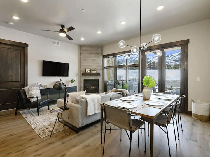 Brand New Luxury Condo at Canyons