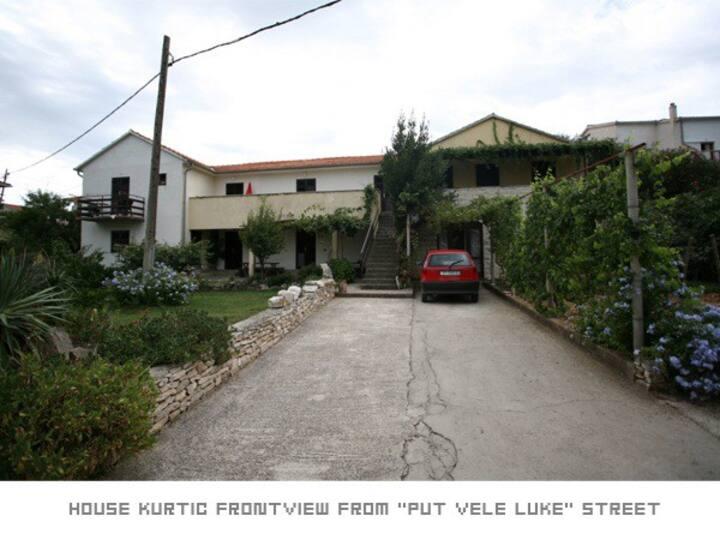 House/rooms Kurtic Supetar