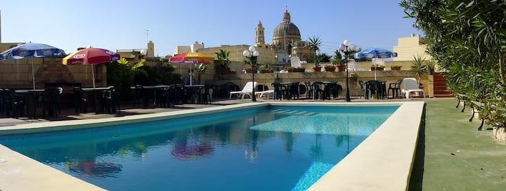 Mariblu Bed & Breakfast with Pool