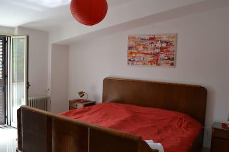Schönes Ferienhaus für 8 Personen - Montalbano Elicona - Talo