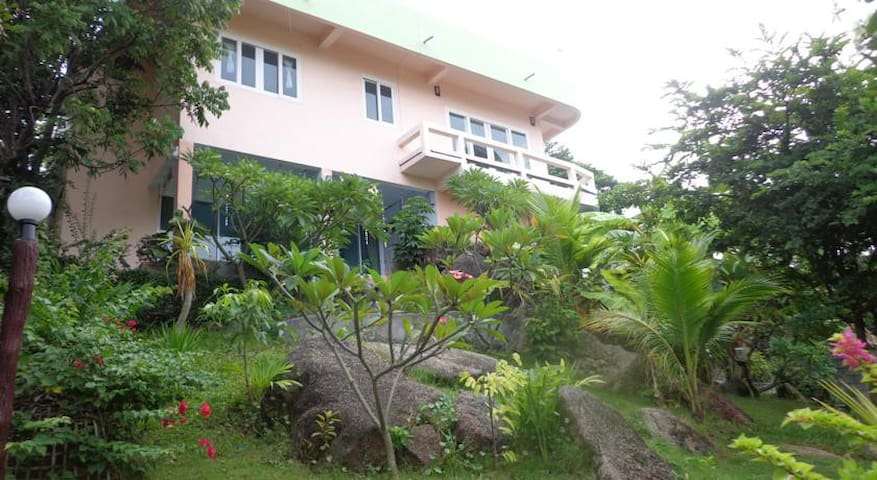 Little Paradise Standard Double Room (Hill Zone)