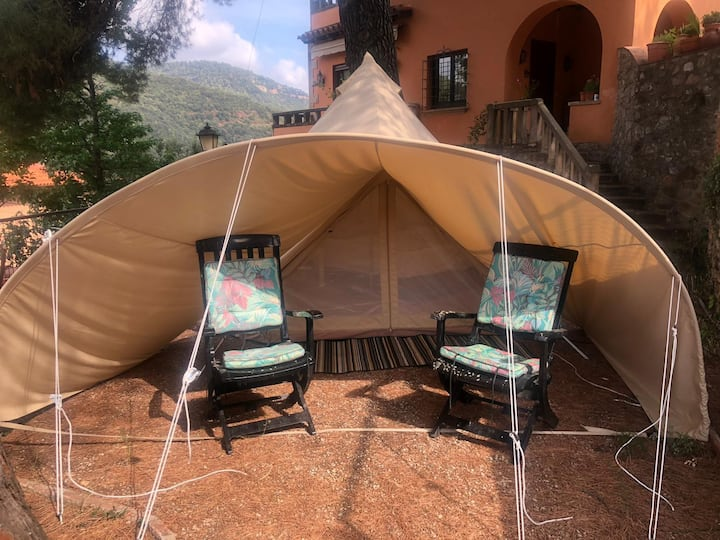 4 meters comfortable bell tent for all-year season