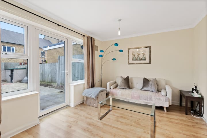 Super 3 Bed House near Canary Wharf,O2 Arena,Excel
