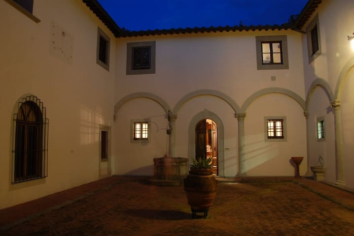 Historical Villa house with private swimming pool - Florència - Pis