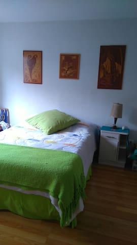 Dormitorio con baño privado - Fraijanes