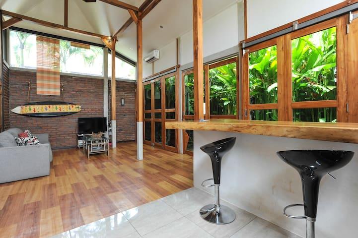 Sunny house - Canggu - House