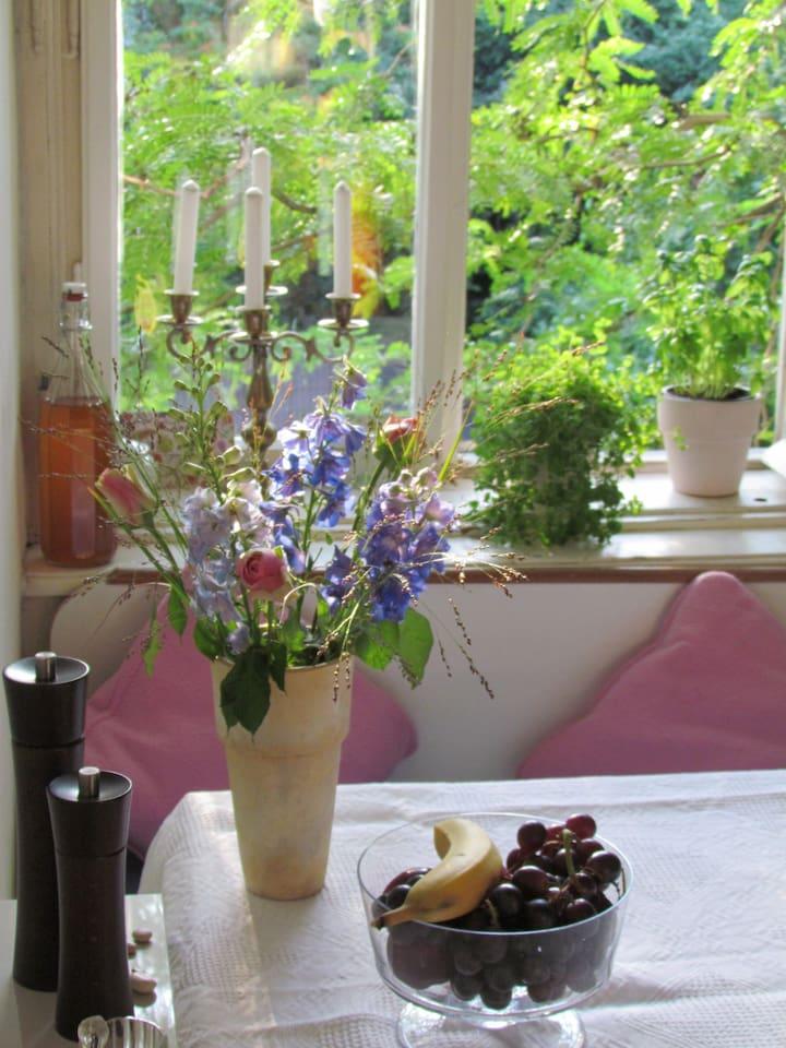 Einladender Essplatz in der Küche