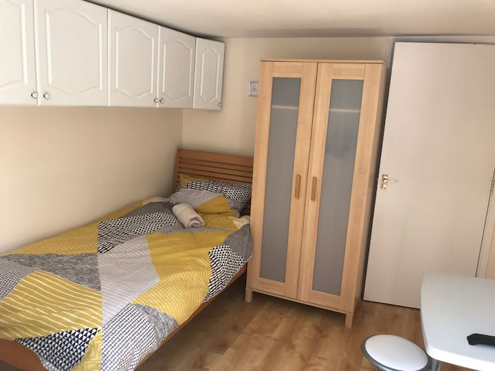 Private Room with wet room and kitchenette