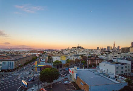 Russian Hill's Panoramic Penthouse!