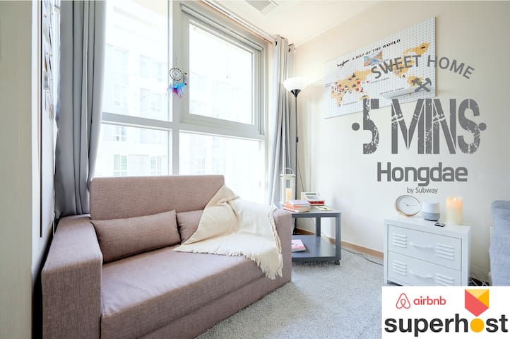 3mins to walk from Subway Stn.(nearby Hongdae)
