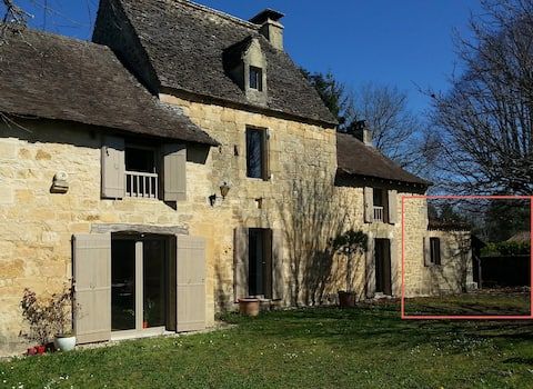 Private room close to the main sights of the Périgord