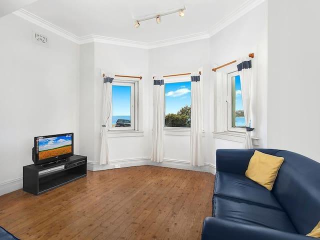 Private Beachfront/Waterfront House in Bondi Beach - Bondi Beach - Maison