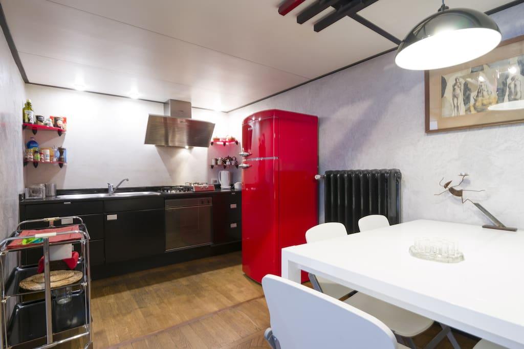 Sala-cucina \ living-kitchen.
