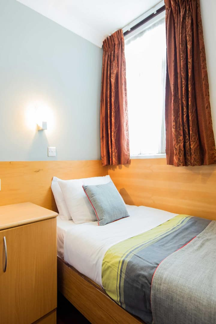 OYO London Guest House, Deluxe Single Room