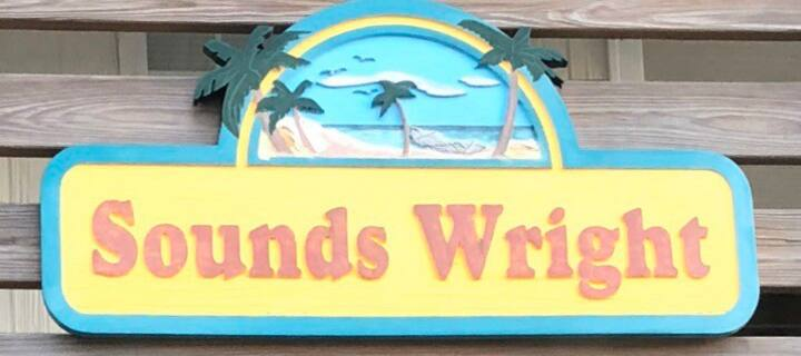 Sounds Wright queen room (pet friendly)