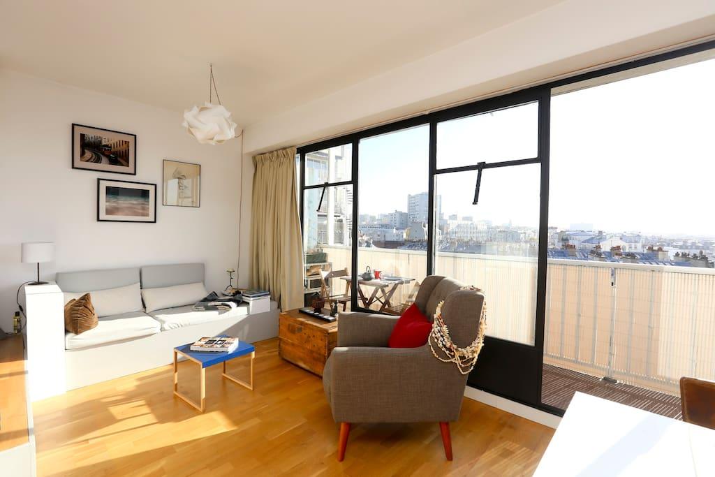 large studio terrace over paris apartments for rent in paris le de france france. Black Bedroom Furniture Sets. Home Design Ideas