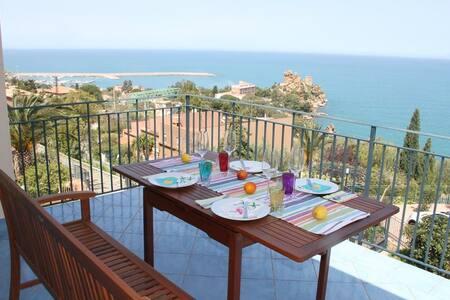 Destination Cefalu - the best view
