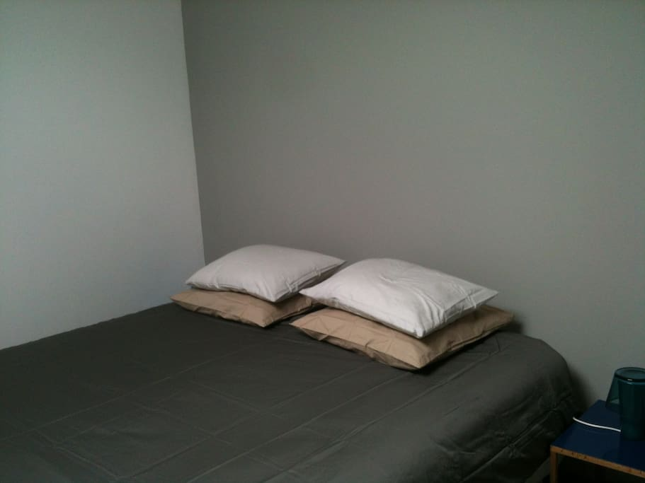 Double bed or kingsize bed