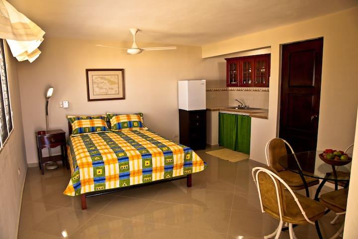 La Casita - Apartment/Pvt. Balcony