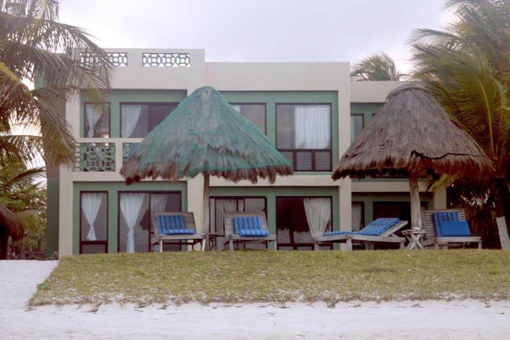 Casa de suenos upper beachfront flats for rent in xcalak - Casa de suenos ...