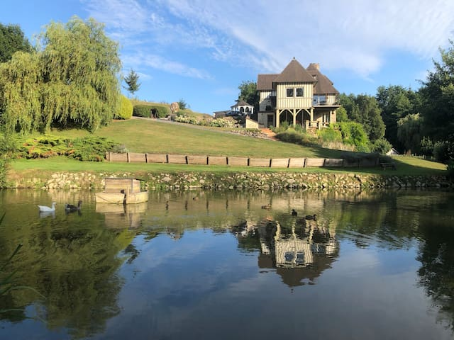 Villa d'exception au cœur du Haras des Monceaux