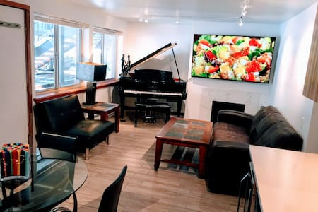 Downtown Aspen 2 Beds & 2 Baths Condo For4+1 gusts