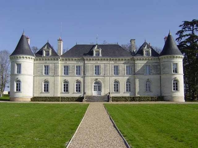 Loire Valley chateau with pool