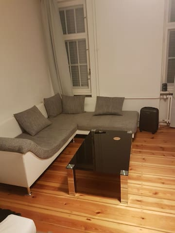 Great Place in Berlin Wedding available for a week