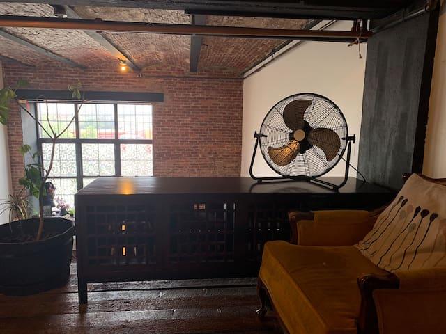 Sunny Loft top location in Bushwick / Ridgewood