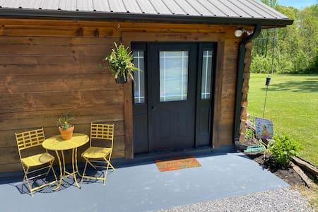 Country Cabin in Lewisburg near GB river & WV fair