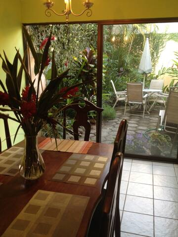 2 Bedroom Condo, Alejuela - Alajuela, Costa Rica - Appartement