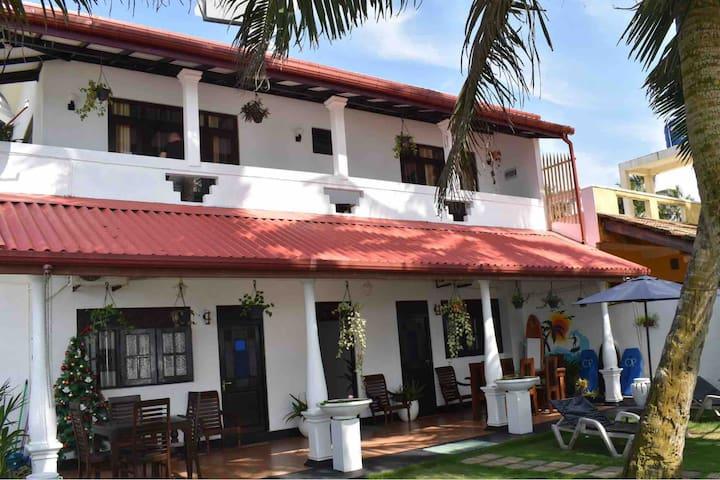 Ashen's Beach House (1st floor/Seaview/Room 1)