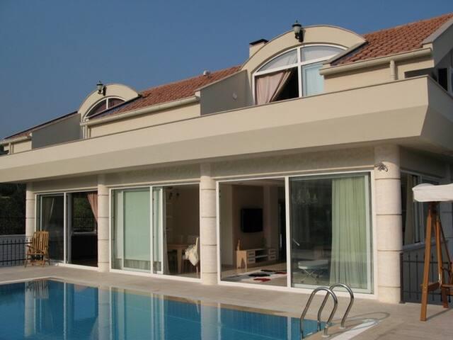 Luxery villa wiht privat pool - Kemer - Dom