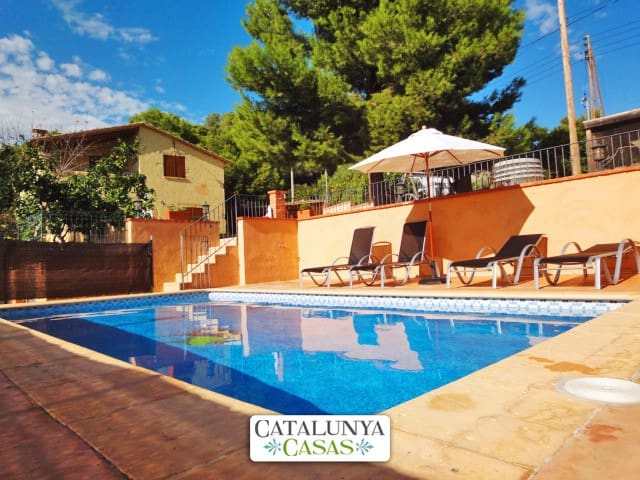 Villa Vespella for 10 in the Spanish countryside, only 12km from the beach! - Tarragona - Willa